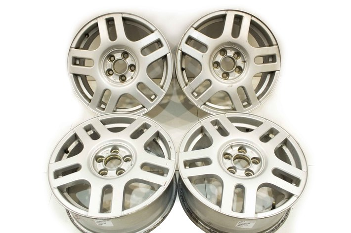 Felgi Aluminiowe Vw Golf Bora Passat 65jx16h2 Et42 5x100 1j0601025f