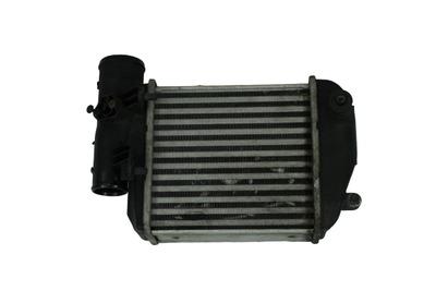 Czarna chłodnica intercoolera do Audi A6 C6 4F0