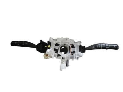 Manetka manetki przełącznik kierunkowskazy Subaru Forester III
