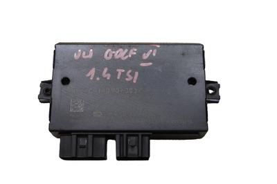 Czarny moduł haka do VW Golfa VI 1K0907383F