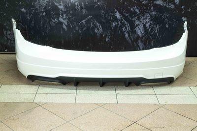 Oryginalny biały zderzak tylny do mercedes w204 C63 z pakietu AMG