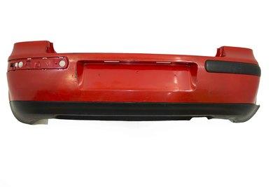czerwony tylny zderzak do volkswagena golfa IV 1J6807417