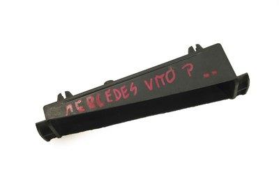 Ślizg zderzaka prawy przód mocowanie przednie Mercedes Vito a6388850021