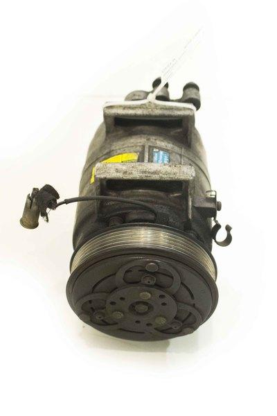Srebrna sprężarka limatyzacji do Volvo S60 V70 2.4 D 8708591