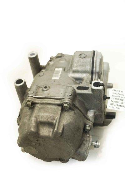 Srebrna metalowa sprężarka klimatyzacji do Toyoty Yaris III Hybrid 1.5 042200-1041