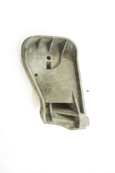 Metalowa łapa skrzyni biegów do Volvo S60 S80 V70 2.0 Automat z numerem części : 9186440
