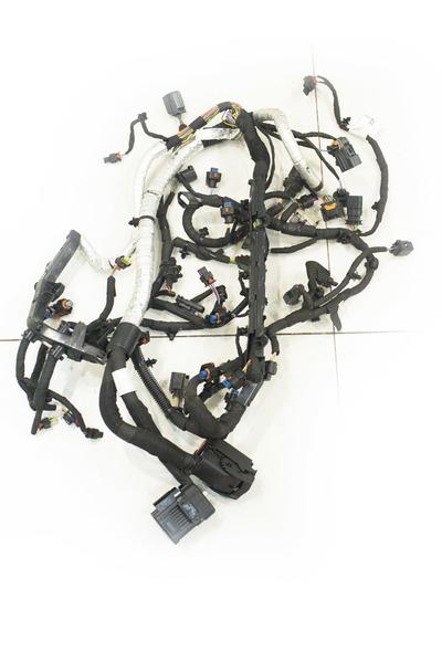 czarna instalacja elektryczna do jaguara Xe
