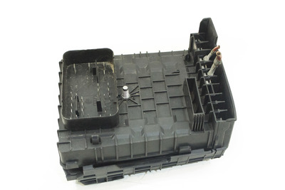 czarna skrzynka bezpieczników do volkswagena golfa V 1K0937125