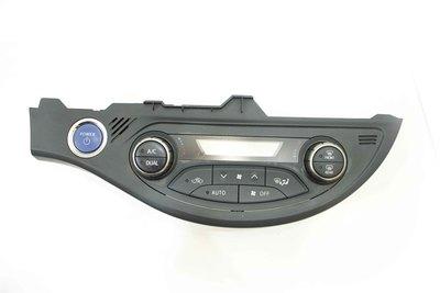 Czarny panel klimatyzacji ze starterem do Toyota Yaris III hybrid