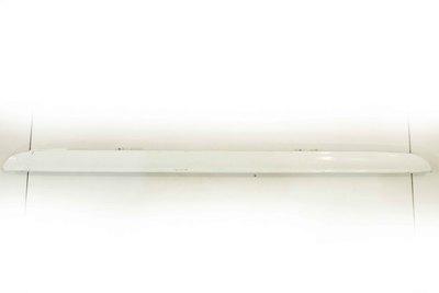 Biała listwa klapy bagażnika do Mercedes-Benz W204 C-Klasa z numerem części : A2027400293