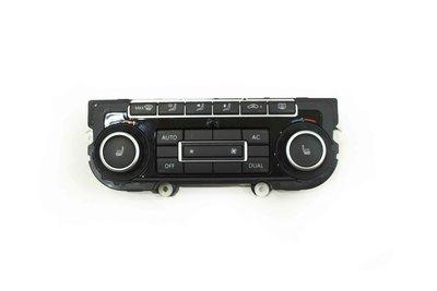 Czarny plastikowy klimatronik do VW Golfa VI z numerem części : 5K0907044ES