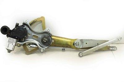 Metalowy podnośnik szyby drzwi prawych przednich do Toyota RAV4 II z numerem części  ;85720-42070