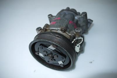 Reanult Clio II 1.5 dci sprężarka klimatyzacji 8200315744 SD6V12