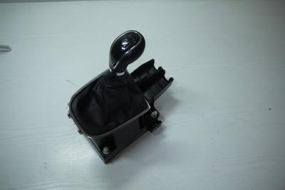 CZarny lewarek zmiany biegów Opel Astra J IV