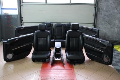 Czarne skórzane fotele do Mercedes GL W164 z TV i wersja na 5 osób