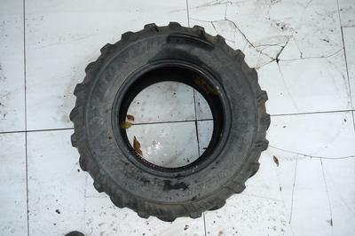 Czarna gumowa opona do Quada AT25x10-12
